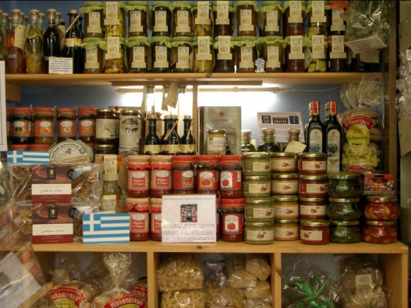 Quality Greek products from all over Greece at a store in Athens near you.