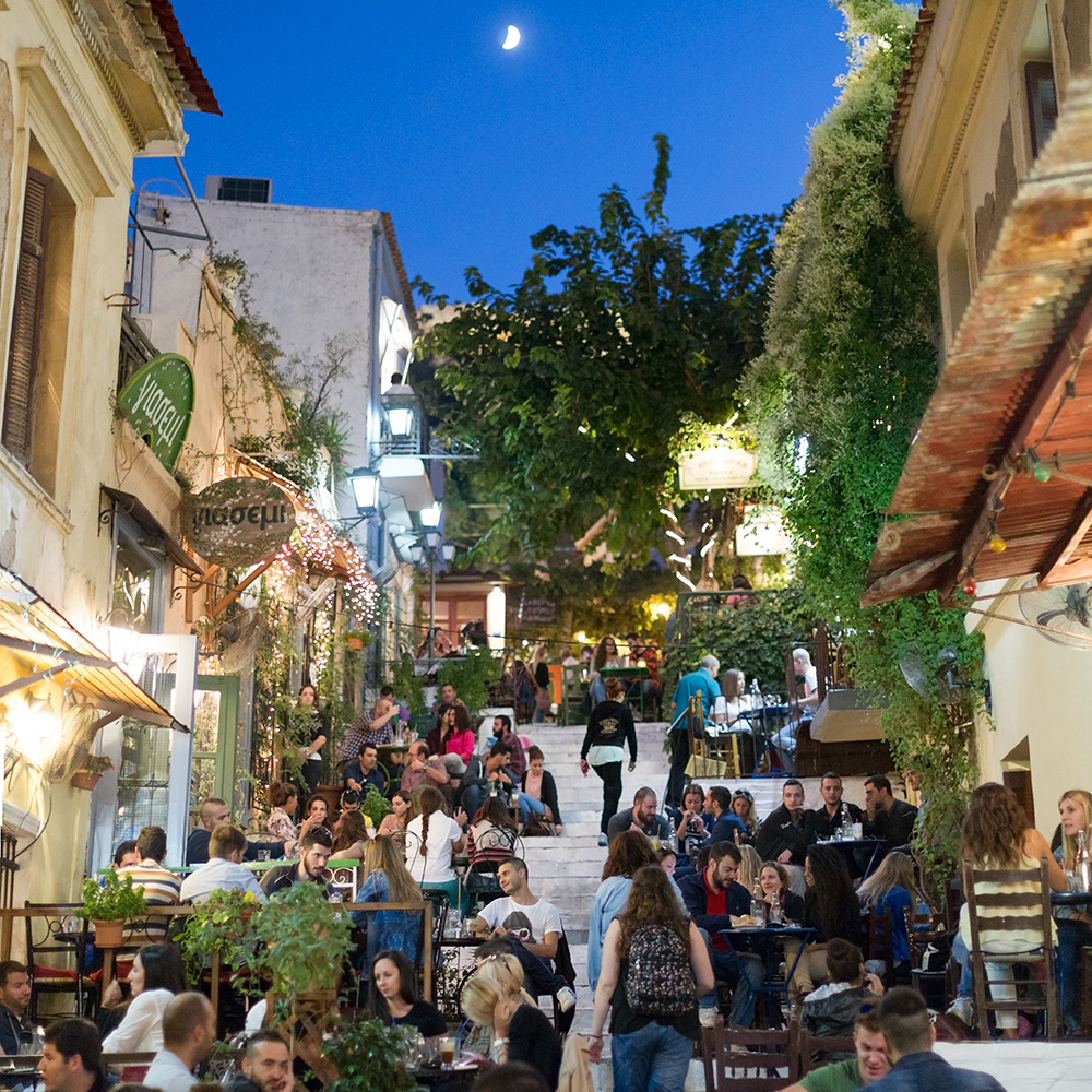 The vibrant and cosmopolitan taverns and restaurants in Plaka