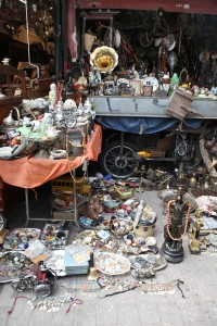 Antiques, furniture, vinyls, post stamps and coins from all over the world, vintage clothes and off the beaten track souvenirs at Athens' Flea Market!