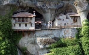 The hanging Monasteries of Meteora!