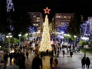 syntagma-square-is-decorated-with-christmas-lights