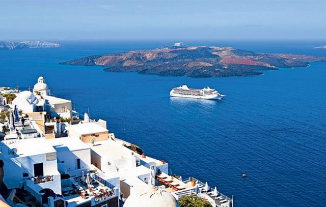 Cruising Santorini