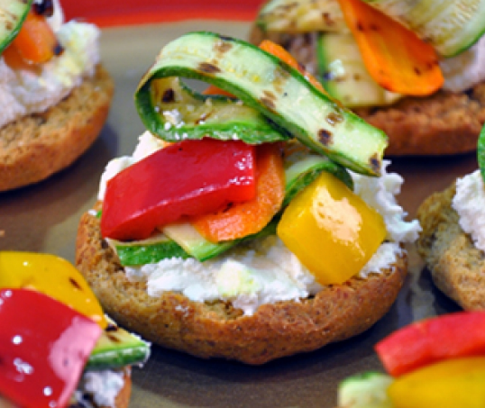 Rusks with cheese and bbq vegetables