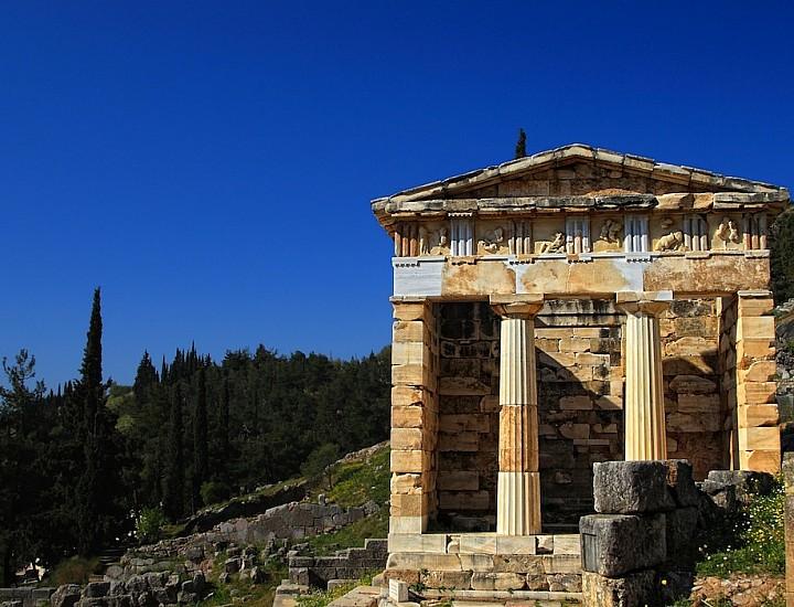 One Day Tour to Delphi
