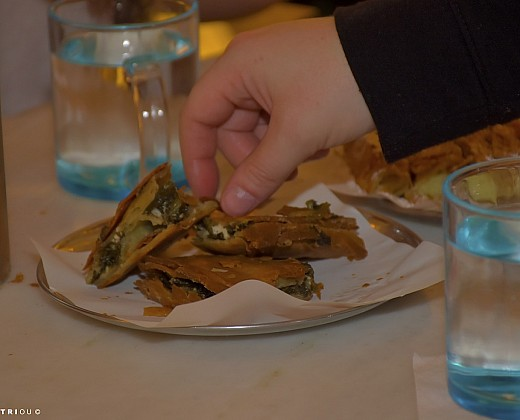 Shore Excursion: Athens Food Tour & Free Time in Plaka