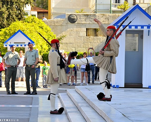 Shore Excursion: Acropolis, City Tour & Free Time in Plaka with Transfer